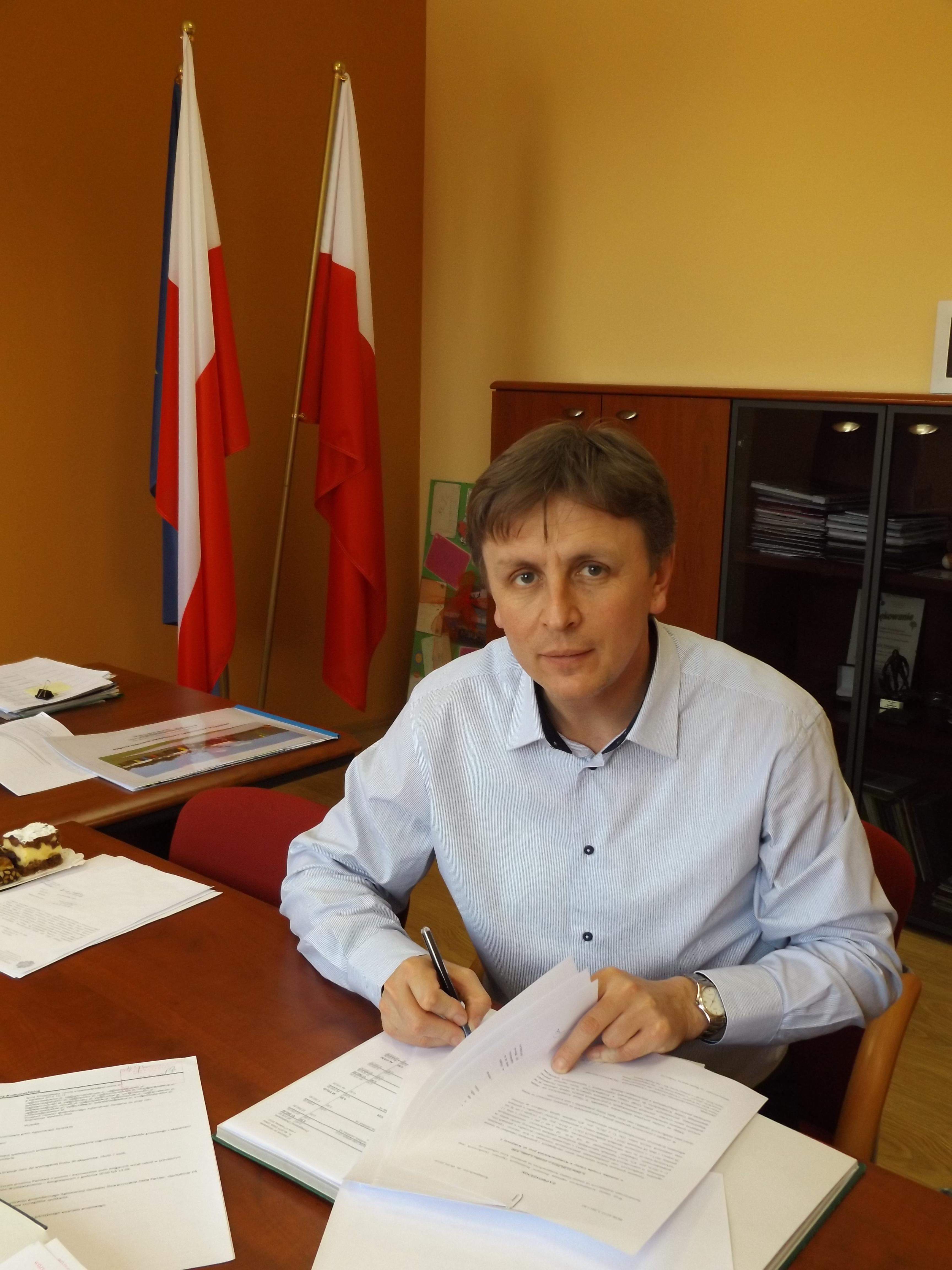 Złożenie podpisu przez Wójta Gminy Komprachcice
